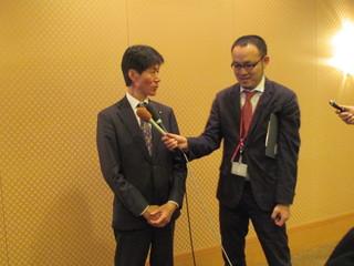 四国地域経済界との懇談会後ブレスぶら下がり会見1.JPG