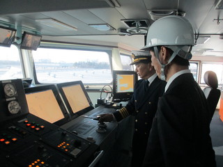海洋資源調査船「白嶺」視察1.JPG