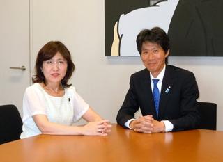 稲田大臣と磯崎議員.jpg